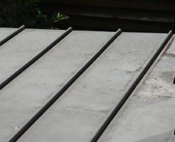 劣化したガルバリウム屋根1