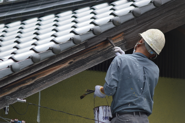 屋根付帯部の塗装
